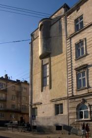 Вул. Тютюнників, 1. Фрагмент північного фасаду