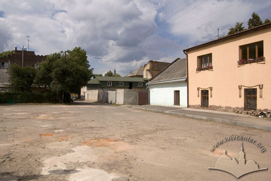 Former workshop buildings that were adapted for residential needs after WWII/Photo courtesy of Ihor Zhuk, 2013