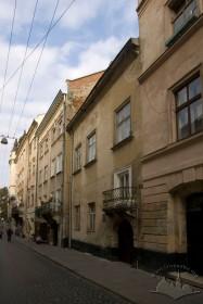 Забудова вул. Вірменської. У центрі фото — будинок № 17.