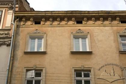 Вул. Вірменська, 25. Фрагмент головного фасаду