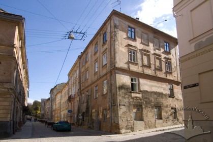 Vul. Drukarska, 6a. A view of the building from the northwest