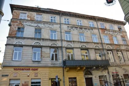 Вул. Краківська, 34. Головний (західний) фасад будинку