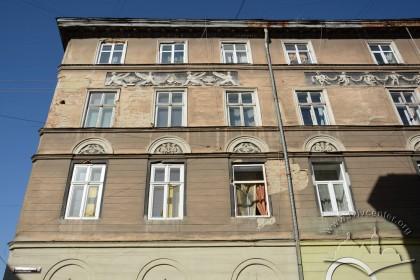 Вул. Краківська, 34. Фрагмент південного фасаду