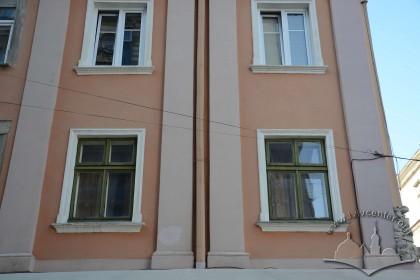 Вул. Краківська, 1. Фрагмент фасаду з боку вул. Шевської