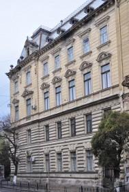 Vul. Sichovykh Striltsiv, 16. Southeastern facade which faces vul. Sichovykh Striltsiv