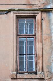 Вул. Крушельницької, 17. Вікно на тильному фасаді