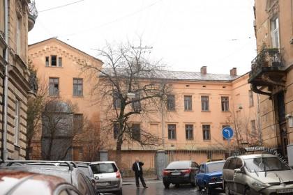 Вул. Каліча гора, 5. Вигляд частини будинку з вул. Стефаника