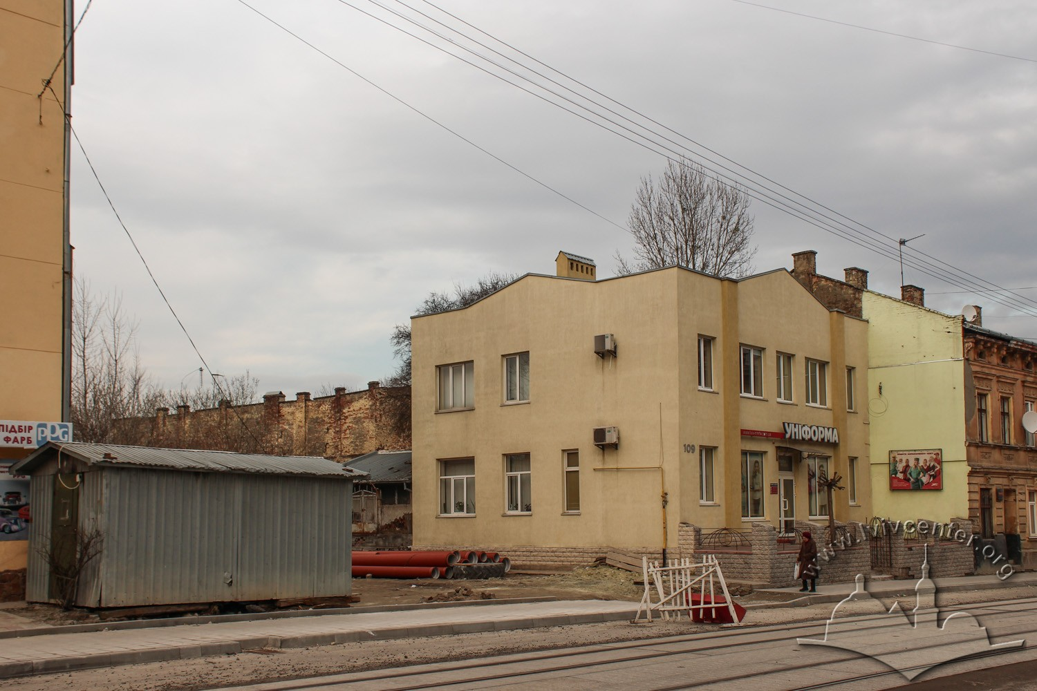Contemporary building on vul. Khmelnytskoho, 109. Koryte Schul synagogue used to stand here/Photo courtesy of Olha Zarechnyuk, 2016