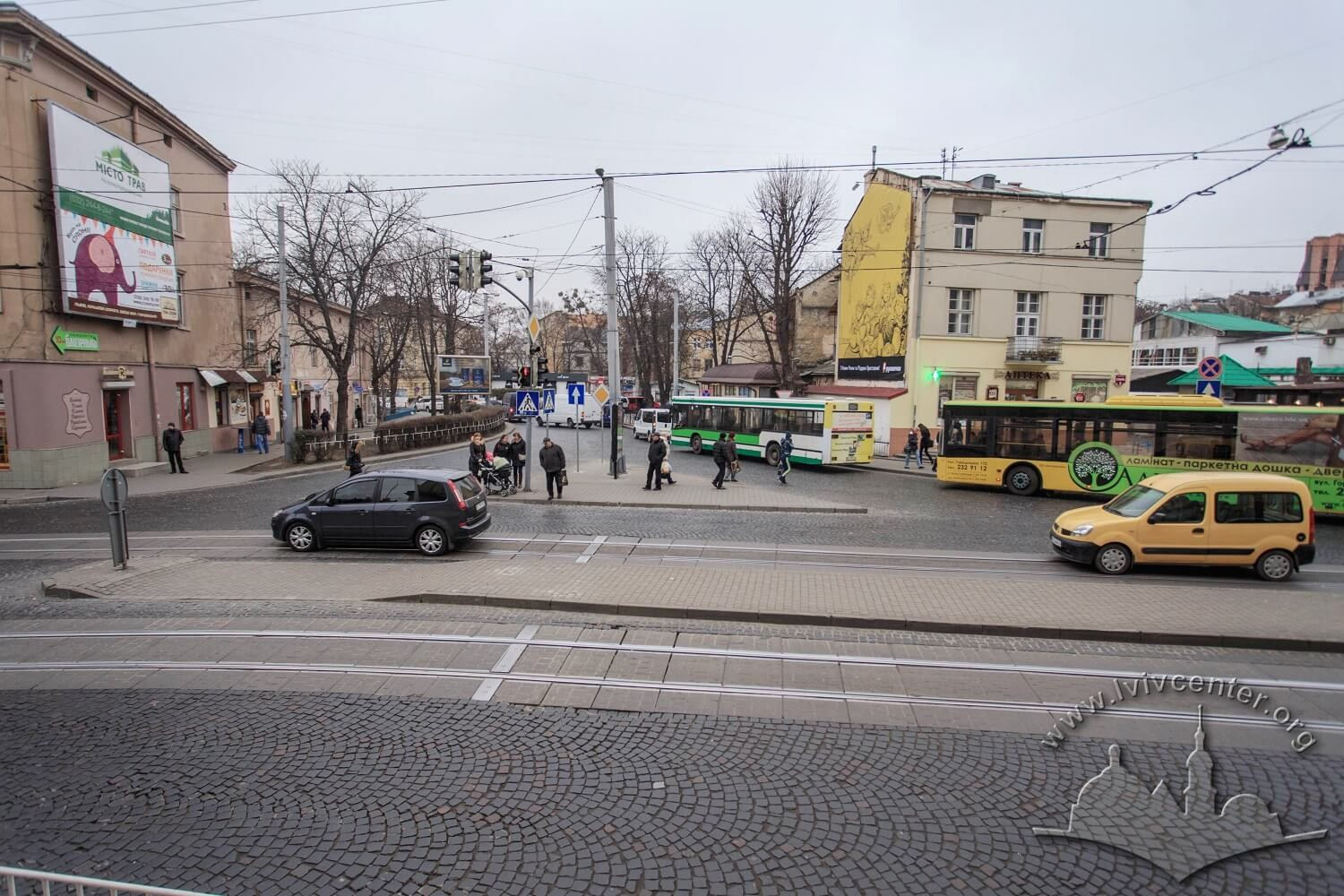 Pl. Rizni as seen from the former walled city side (from the south) - now from the stairs near Zankovetska theater. On this square, the city slaughterhouse stood until mid-19th century/Photo courtesy of Nazarii Parkhomyk, 2015