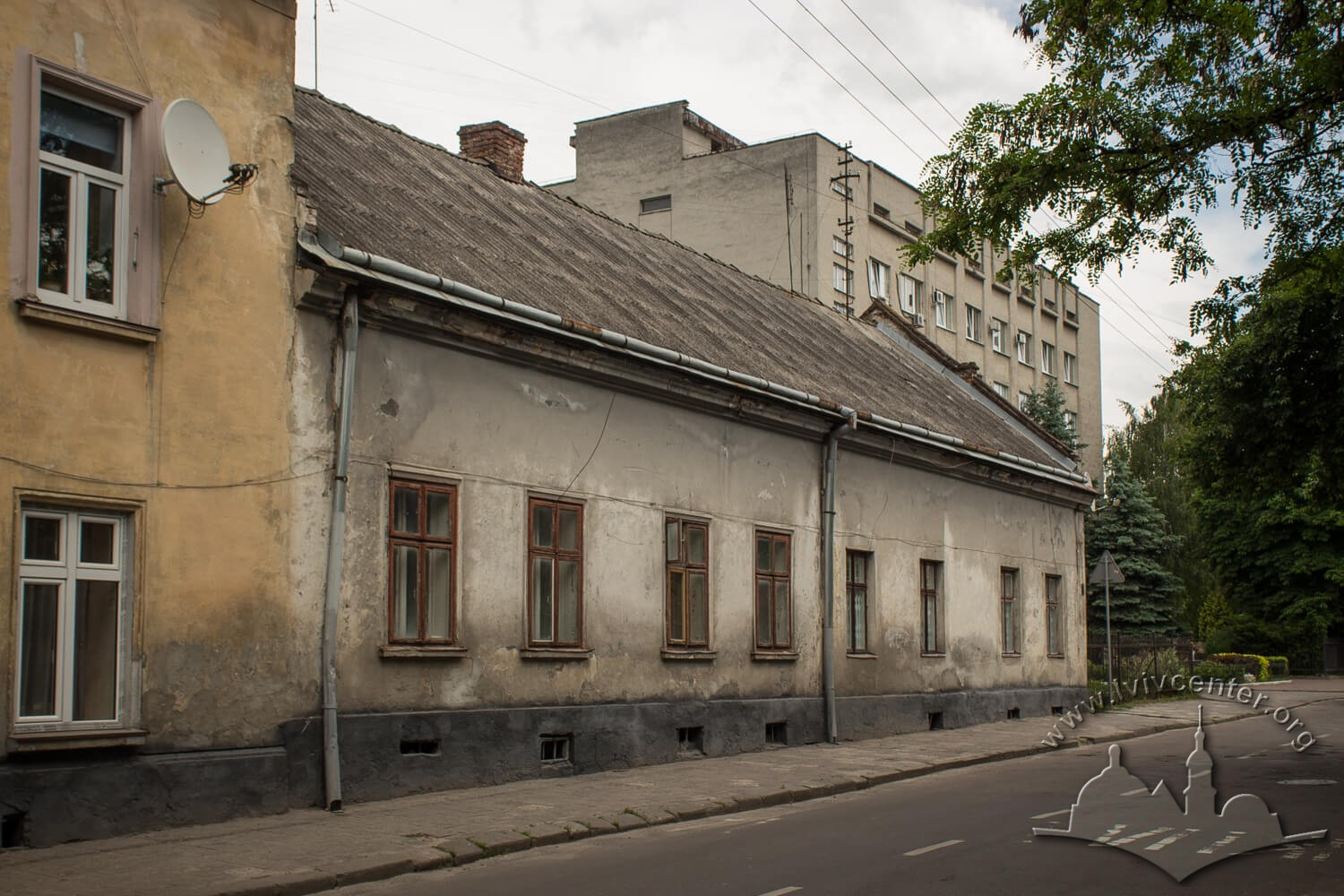 Vul. Donetska, 11. Former residential building of German Schneider family who owned a big vegetable farm in Pidzamche in 19th century/Photo courtesy of Olha Zarechnyuk, 2016