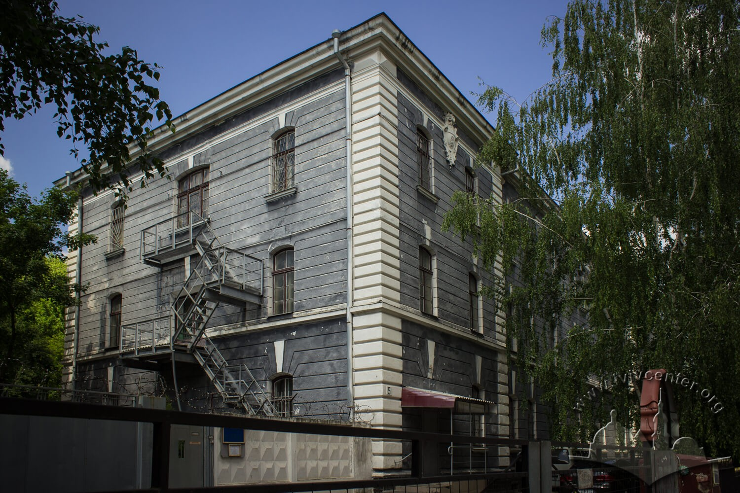 Vul. Henerala Hrekova, 5. In this building (or in #3) during interwar period, the city epidemiological hospital was located/Photo courtesy of Olha Zarechnyuk, 2016