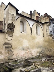 Vul. Fedorova, 27. The synagogue ruins. Former prayer hall