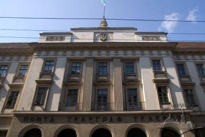 Вул. Словацького, 1. Центральна частина головного фасаду