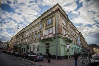 Vul. Lesi Ukrainky, 1. Northeastern corner of the building