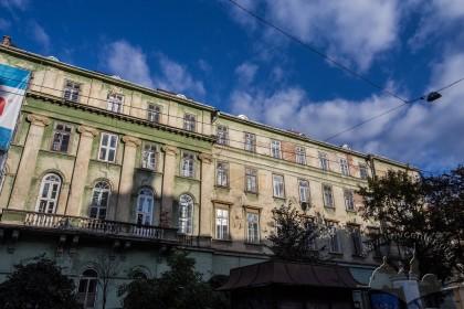 Vul. Lesi Ukrainky, 1. Part of the western facade