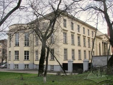 Вул. Устияновича, 5. Вигляд будинку з північного заходу