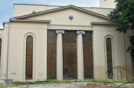 Вул. Устияновича, 5. Фрагмент східного фасаду