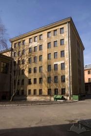 Вул. Професорська, 1. Вигляд частини будівлі з подвір'я