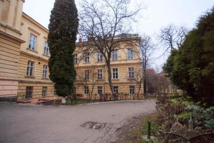 Vul. Pekarska, 52. Western wing of the Anatomy Building