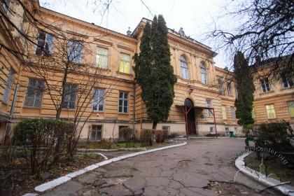 Vul. Pekarska, 52. Pathology and Forensic Science Building