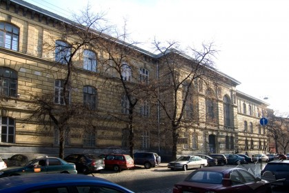 Вул. Князя Романа, 5. Вигляд будинку з північної частини вулиці