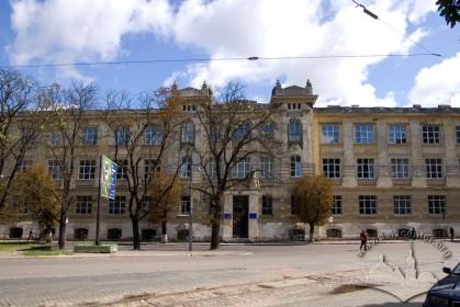 Вул. Снопківська, 47. Головний фасад