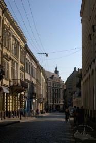 Забудова вул. Коперника, у центрі фото - будинок №4