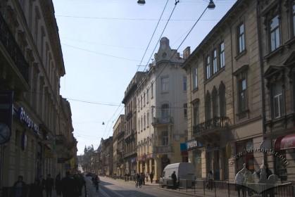 Вул. Костюшка, 1. Вигляд з вул. Дорошенка (з північно-східного боку)