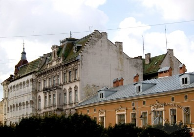 Prosp. Shevchenka, a view from the northeast. Buildings #28-24