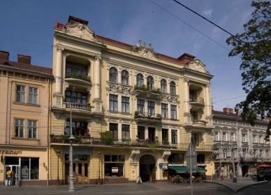 Prosp. Svobody, 35. The building's principal facade