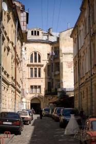 Prosp. Svobody, 35. View of the rear facade (view from Mykhalchuka str.)