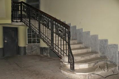 Vul. Halytska, 21. The principal staircase