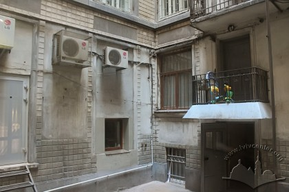 Vul. Halytska, 21. Courtyard
