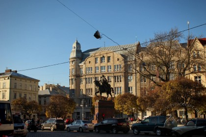Pl. Halytska. In the center, the equesterian monument to king Danylo Halytskyi