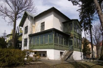 Вул. І. Труша, 28. Вигляд будинку з півдня