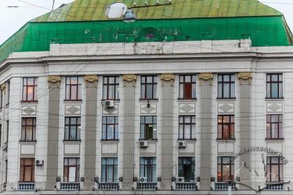 Пл. Генерала Григоренка, 3. Фрагмент головного фасаду
