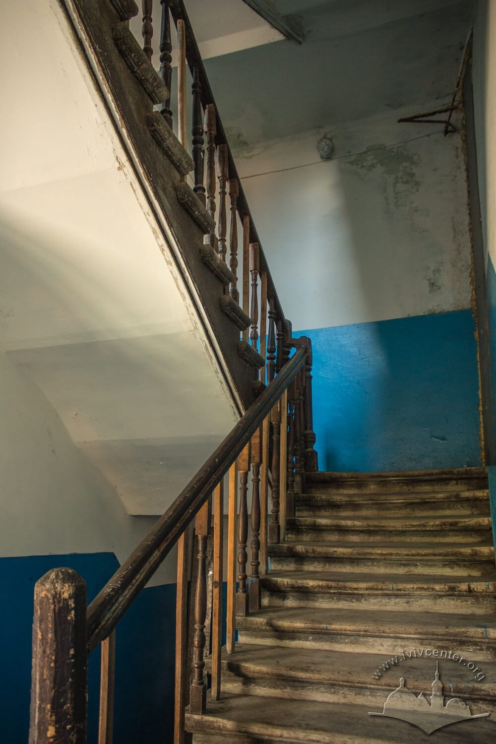 Vul. Zavodska, 36. The principal staircase/Photo courtesy of Olha Zarechnyuk, 2016