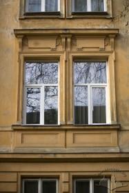 Vul. Bohomoltsia, 10. 2nd floor windows