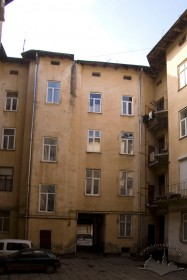 Vul. Bohomoltsia, 1. A view from the courtyard