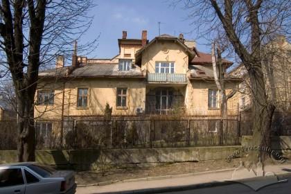 Вул. Кольберга, 8. Бічний фасад з боку вул. Котляревського