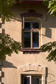 Вул. Кольберга, 8. Вікно 2-го поверху