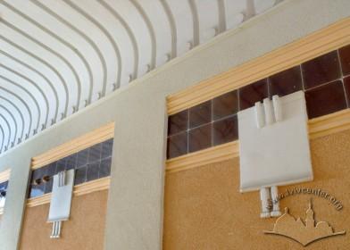 Вул. Академіка Богомольця, 3. Декор стін і стелі у сінях будинку