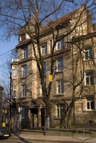Вул. Котляревського, 15. Вид на головний фасад