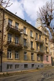 Вул. Генерала Чупринки, 47. Бічний фасад з боку вул. Захарієвича