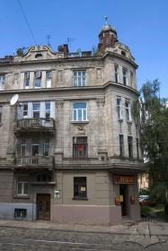 Вул. Генерала Чупринки, 60. Головний фасад (фрагмент)