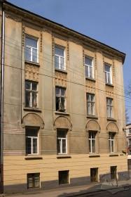Вул. Нечуя-Левицького, 15. Бічний фасад з боку вул. Котляревського
