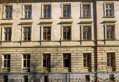 Вул. Дорошенка, 41. Фасад будинку з боку вул. Коперника