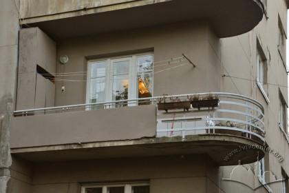 Вул. Дорошенка, 61. Балкон тильного фасаду