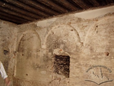 Вул. Ів. Федорова, 2. Ренесансна аркатура