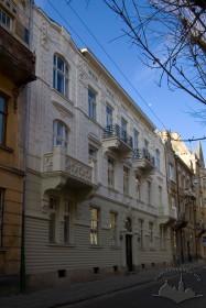 Вул. Академіка Богомольця, 6. Головний фасад